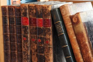 old-books-11281939505Msrn