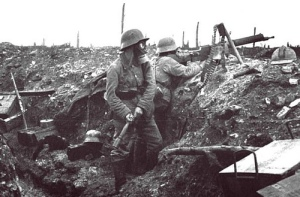 German_soldiers_in_trench01