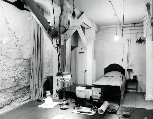 Churchill's personal quarters as they looked during the war.