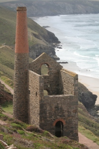 Tin_mine_near_St_Agnes_2