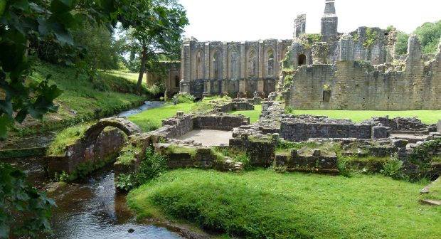 Fountains-Abbey-North-Yorkshire1
