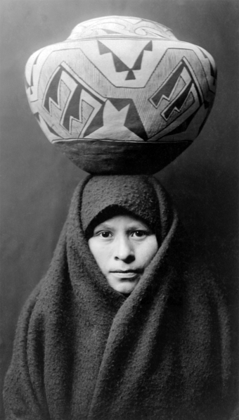 340px-Zuni-girl-with-jar2