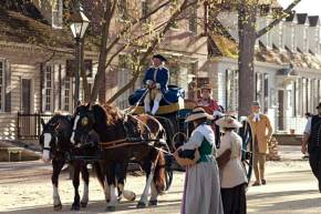 Colonial-Williamsburg-wagon -Duke-of-Gloucester-Street-as-passengers-in-a-horse-drawn-coach