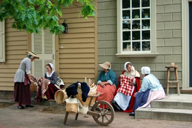 Colonial_Williamsburg_ladies