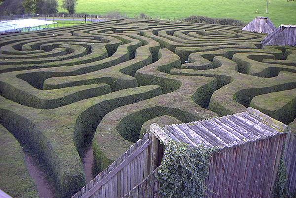 600px-Longleat_maze