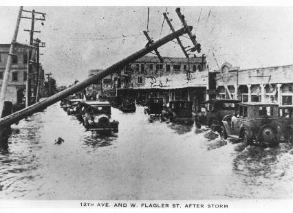 Damage-in-downtown-Miami-after-the-1926-hurricane